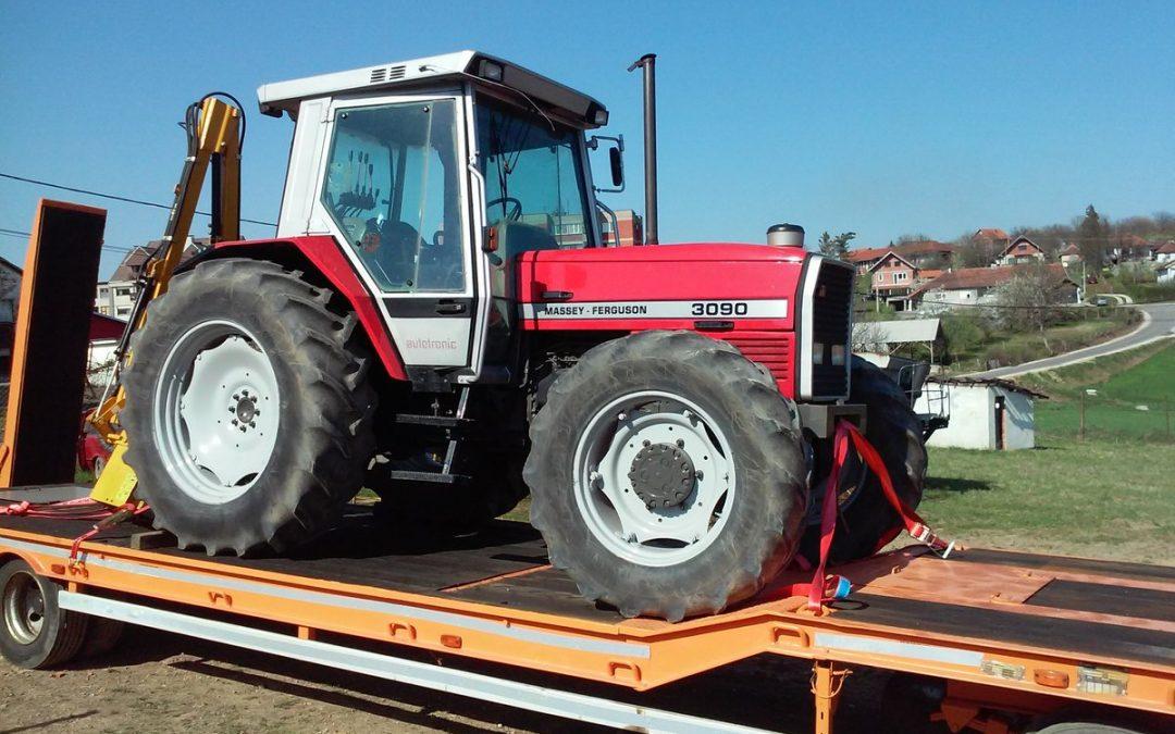 Комуналац набавио трактор Maseey и нисконосећу приколицу за транспорт радних машина