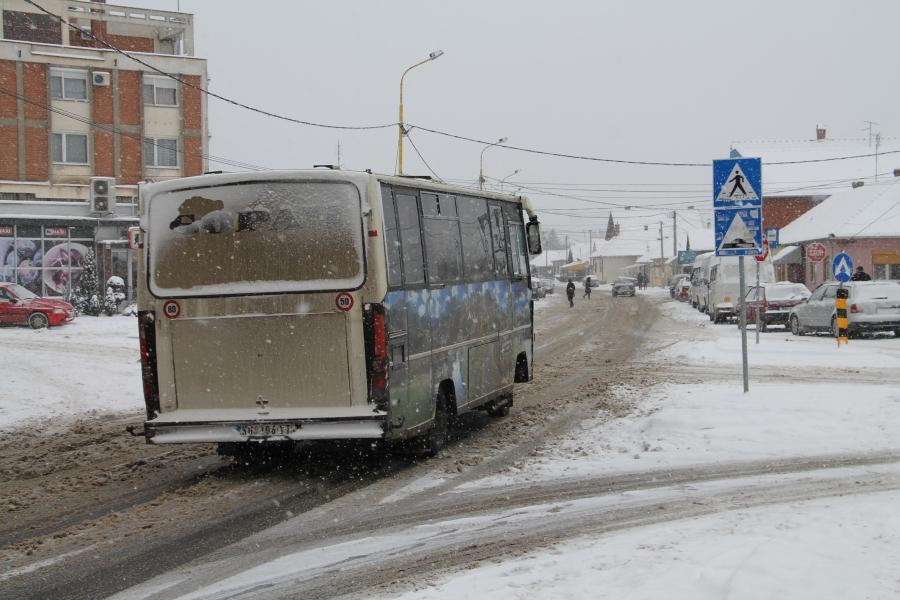 Приоритетни путеви у општини Кнић проходни